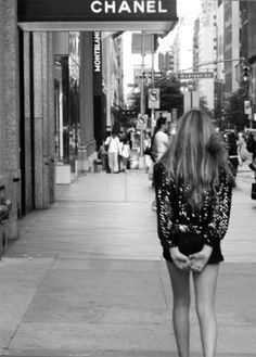 """A girl should be two things: classy and fabulous. Black N White, Black White Photos, City Photography, Fashion Photography, Vogue, Glamour, Fashion Mode, Street Fashion, Chanel Couture"