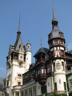 Sinaia, Romania Beautiful Buildings, Beautiful Places, Different Countries, Far Away, Romania, Places To Go, Exterior, Chateaus, Explore