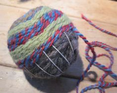 Prairie Mouse brings us this woven ball!  I am going to make one of these out of some of that yarn that is not very nice.