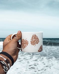 Sunday mornings by the sea! ☕ Pura Vida Bracelets x @jaicenicole