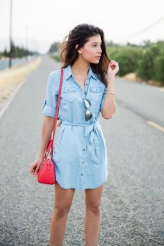 """A chambray is something you must have in your closet! Chambray is something where you can use """"the more the merrier"""" phrase easily. A good chambray shirt should top your priority charts any day and Jean Shirt Dress, Jeans Dress, Denim Shirt Dress Outfit, Cute Dresses, Casual Dresses, Casual Outfits, Denim Dresses, Chambray Shirt Outfits, Chambray Dress"""