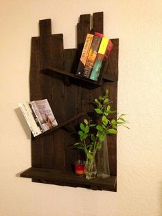 -this is cool--Pallet Shelf - 70+ Pallet Ideas for Home Decor | Pallet Furniture DIY - Part 3
