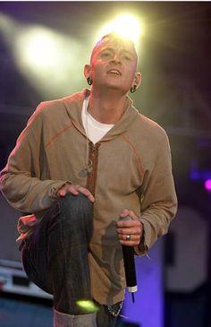 Beautiful Legend Chester Bennington ❤🤘 #makechesterproud #linkinpark #chesterbennington #iamthechange #320changesdirection
