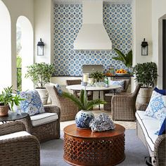 A tour of the stunning blue and white kitchen by Design Galleria and Lauren Deloach in the 2017 Southeastern Designer Showhouse & Gardens in Atlanta.