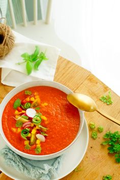 Gazpacho Recept, Thai Red Curry, Brunch, Vegetarian, Drinks, Ethnic Recipes, Summer, Food, Drinking