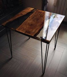 Coffee / Lunch Table Made With Pera Wood And High Quality Transparent Epoxy  Resin