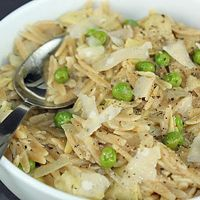 Whole Wheat Orzo With Artichokes and Peas
