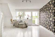 Veda 110, Njurunda, Sundsvall - Fastighetsförmedlingen för dig som ska byta bostad Inside Outside, River House, Scandinavian Style, Home Projects, House Tours, Bathtub, Design Inspiration, Interior Design, Loft