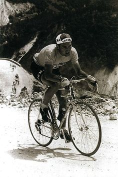cadenced: The Man, Eddy Merckx in winning the first of his five Giro titles. Photo comes from Cycle Sport Magazine's supplement Giro d'Italia: Scenic Images of the Race. Velo Vintage, Vintage Cycles, Retro, Mtb, Bike Poster, Bicycle Race, Cycling Art, Cool Bicycles, Classic Bikes