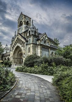 From Musetouch Visual Arts Magazine: Beautiful Places.Ják church (Vajdahunyad Castle, Budapest, Hungary), photo by Domingo Leiva, dleiva via Fivehundredpx. Beautiful Castles, Beautiful Buildings, Beautiful Places, Modern Buildings, Oh The Places You'll Go, Places To Travel, Places To Visit, Photo Chateau, Famous Castles