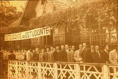 Curitiba Naqueles Idos: Restaurante do Estudante no Passeio Público, inaugurado por Moisés Lupion. Data: 1947. Foto: autor desconhecido. Acervo: Cid Destefani. Gazeta do Povo, Coluna Nostalgia (08/08/1999)