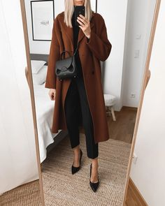 "Ewelina Kanty on Instagram: ""Sunday look 🖤 @sanna_ny_ #anzeige Outfit details 👇🏼 _____ Coat @sanna_ny_ (Model: Riley in Rust) Basic Rollneck @zara (old) Trousers @zara…"" Mode Outfits, Office Outfits, Casual Outfits, Fashion Outfits, Fall Winter Outfits, Autumn Winter Fashion, Summer Outfits, Zara, Nordic Style"