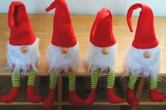 Nähanleitung für Weihnachtswichtel All Things Christmas, Christmas Crafts, Dining Room Art, Scandinavian Gnomes, Christmas Characters, Christmas Inspiration, Felt Crafts, Handmade Crafts, Art Decor
