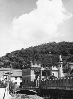 Moneglia. La fortezza-torre di Villafranca, un antico insediamento difensivo e d'avvistamento, voluto dalla Repubblica di Genova nel XII secolo (anni 1925-1950).