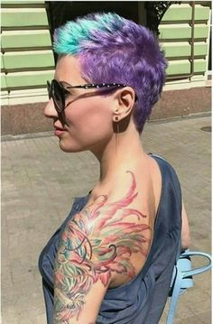 Opinions of this cut and color? Funky Short Hair, Super Short Hair, Short Grey Hair, Girl Short Hair, Short Hair Cuts, Short Hair Styles, Pixie Cuts, Creative Hair Color, Cool Hair Color