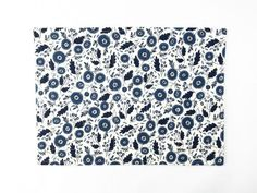 Classic Blue and White China Floral – Reversible Fabric Placemat - Threadway Design Fabric Placemats, Blue And White China, White Home Decor, Simple Elegance, Blue Flowers, Fabric Design, Floral Design, Floral Prints, Table Decorations