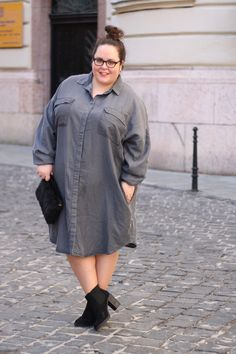 Click through the most stylish plus-size fashion bloggers for serious street style inspiration at @stylecaster | 'Hanna Wears'