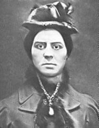 """Kate Webster, the killer of Julia Martha Thomas The murder of Julia Martha Thomas, dubbed the """"Barnes Mystery"""" or the """"Richmond Murder"""" by the press, was one of the most notorious crimes in late Britain. Thomas, a widow in her who. Kate Webster, David Attenborough, Evil People, Criminal Minds, British History, Serial Killers, Mug Shots, In The Flesh, True Crime"""