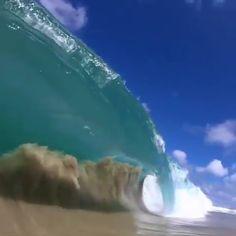 Waves in Honolulu, Hawaii 🔥 - Moshlem 666 - Waves in Honolulu, Hawaii 🔥 . big waves in Honolulu, Hawaii (USA 🇺🇸)! No Wave, Beautiful World, Beautiful Places, Shore Break, Ocean Video, Nature Gif, Nature Videos, Ocean Waves, Big Waves