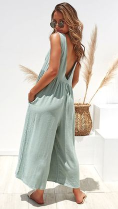 Models Sleeveless Vest Women's Sexy Jumpsuit is recommended by our customers, buy Models Sleeveless Vest Women's Sexy Jumpsuit now!Solid Color Open Back Casual Jumpsuits Summer Outfits, Casual Outfits, Cute Outfits, Look Fashion, Womens Fashion, Fashion Blogs, Fashion 2020, Korean Fashion, Fashion Ideas