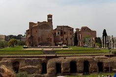 Remains of Temple of Venus and Roma, 121-135, Rome. The temple level is above the street level(the high level gorund is not pedium).