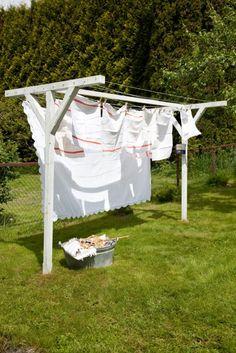 Estendal exterior / Outside clothes line Drying Rack Laundry, Clothes Drying Racks, Laundry Hanger, Laundry Storage, Outdoor Clothes Lines, Outdoor Clothing, Outdoor Outfit, Garden Inspiration, Outdoor Gardens
