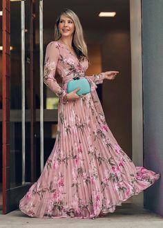 10 vestidos longos para convidados de casamento e formatura: vestido longo com lao - Klamotten - Floral Maxi Dress, Dress Up, Pink Maxi, Prom Dresses, Summer Dresses, Formal Dresses, Long Dresses, Pastel Color Dress, Lovely Dresses
