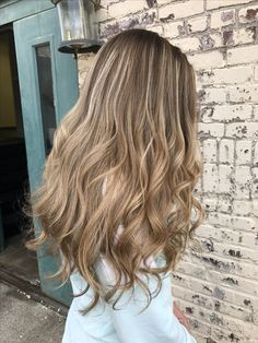 Neutral blonde balayage by @askforamy