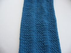 Hot off the presses! This is a 2-faced scarf! Quite nice, I think in that it presents a subtle as well as a slightly more dramatic side. The stitch pattern is a 2-row repeat so easy-peasy to rememb...