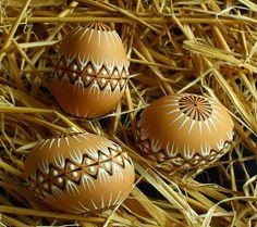 Kraslice v přírodních tónech / Zboží prodejce Královna Mab Eastern Eggs, Egg Art, Wax, Carving, Easter, Spring, Pisces, Colors, Kunst