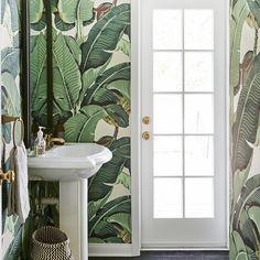 Renovating? Dá só uma olhada na casa da Katherine Power #girlboss e #ceo do @whowhatwear. #decorcrush pelos banheiros da casa thats all that matters na verdade. By the way o post poderia ter só as fotos dos banheiros e da cozinha maybe... >> veja mais aqui: http://ht.ly/SXvZc  #bananaleafs #love #bathroomideas #bathroomdecor #decor #kitchen #kitchenstyle #kitchendecor #instadecor #inspiration #decorinspiration #folhadebananeira #papeldeparede #wallpaper by style.beam Bathroom designs.
