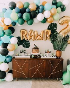 Adorable Birthday Party Ideas for Kids​ - - Adorable Birthday Party Ideas for Kids​ Kindergeburtstag Dinosaurier Geburtstagsfeier Boys First Birthday Party Ideas, First Birthday Party Decorations, Safari Birthday Party, Boy Birthday Parties, Dinosaur First Birthday, 1st Birthday Boy Themes, Dinosaur Party Decorations, Kids Party Themes, Outside Birthday Decorations
