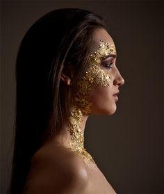 i love the gold leaf makeup