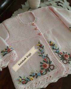 The Most Beautiful 33 Different Women Shawl Poncho Knitting Models Baby Knitting Patterns, Baby Cardigan Knitting Pattern, Knitted Baby Cardigan, Knit Baby Sweaters, Knitted Baby Clothes, Knitting For Kids, Crochet For Kids, Knitting Stitches, Baby Patterns