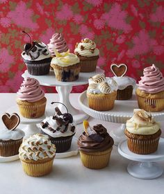 8 Valentine's Day Cupcakes You'll Fall in Love With | Because your Valentine deserves something extra sweet this year.