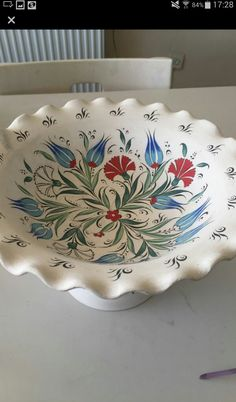 Dish Display, Turkish Tiles, Pottery Painting, Clay Projects, Geraniums, Cobalt, Textiles, Floral, Creative