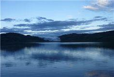 Practica deportes de aventura en la Laguna de Pomacochas.  A una altura de 2150 m.s.n.m. encontramos un atractivo turístico muy importante en la región Amazonas, se trata de la Laguna de Pomacochas con sus 12 kilómetros de extensión y 100 metros de profundidad, está ubicado a un lado de la carretera Fernando Belaunde Ferry, a 84 km al norte de la ciudad de Chachapoyas.