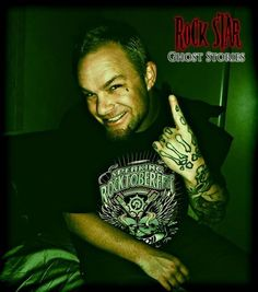 Ivan Moody and his beautiful fucking smile!!