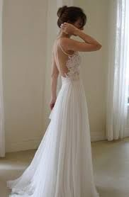 Znalezione obrazy dla zapytania zwiewna suknia ślubna z długim rękawem