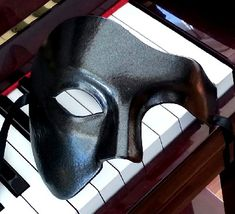 Phantom of the Opera Mask www.venetianfantasymasks.com
