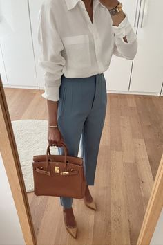 Stylish Work Outfits, Work Casual, Casual Outfits, Fashion Outfits, Business Outfits, Business Attire, Business Fashion, Linen Shirts, Summer Office