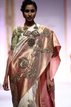 Pallavi Jaikishan for IBFW Mumbai, 2013. Red Lehenga, Indian Bridal Lehenga, Lehenga Choli, Indian Sarees, Indian Attire, Indian Ethnic Wear, Indian Dresses, Indian Outfits, Bridal Lehngas