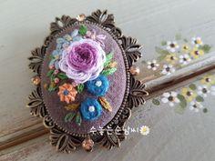 0번째 이미지 Embroidery Stitches, Hand Embroidery, Embroidery Designs, Handmade Accessories, Needlework, Diy And Crafts, Coin Purse, Cross Stitch, Textiles