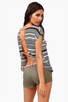 This would look a lot better with jeans or pants on  Love the design detail on this Aztec printed top #wearabledesign