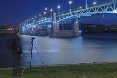 Tutoriel photo de nuit : Apprendre la photo à l'heure bleue Photo Toulouse, Lightroom, Photoshop, Creation Photo, Portrait, Montage, Photography, Passion, Design