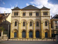 Façade de la synagogue de Metz.