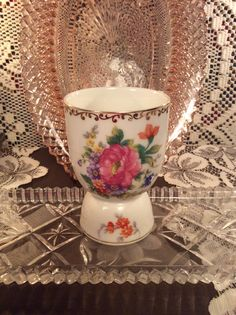 Large egg cup. Hand painted, Notitake, made in Japan. Dresdlina Pd. $8.50 Vintage Egg Cups, Large Egg, Tea Cups, Eggs, Hand Painted, Japan, Dishes, Tableware, Dinnerware