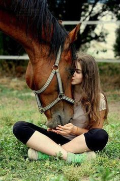 The most important role of equestrian clothing is for security Although horses can be trained they can be unforeseeable when provoked. Riders are susceptible while riding and handling horses, espec… Horse Senior Pictures, Cute Horse Pictures, Horse Photos, Senior Pics, Cute Horses, Pretty Horses, Horse Love, Beautiful Horses, Beautiful Women