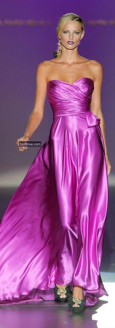 Hannibal Laguna Spring-summer 2013 - Ready-to-Wear Dress Vestidos, Satin Dresses, Strapless Dress Formal, Formal Dresses, Satin Gown, Pink Dresses, Beautiful Gowns, Beautiful Outfits, Gorgeous Dress