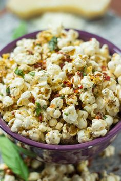 Margherita Pizza Popcorn - if pizza and popcorn were to have a baby, this would be it!